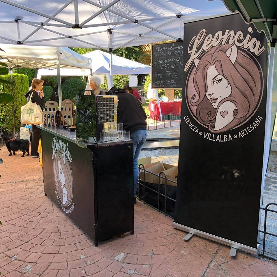 Stand de Cervezas artesanas Leoncia en la Feria de Productos artesanales de Alpedrete
