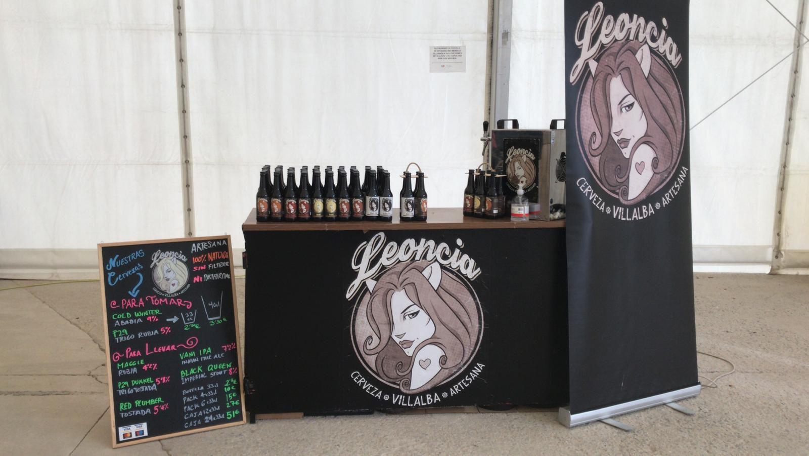 Cervezas aertesanas Leoncia en la carpa Malvarrosa, encuentro artesano 2021